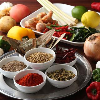 本場の味を知る料理人が腕を奮う、本格インド料理