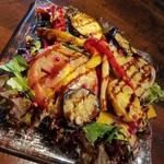 常陸野ブルーイング水戸 - 焼き野菜のグリルをサラダ仕立てに