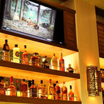 Tommy Bahama Restaurant, Bar & Store -