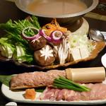 す吾六 - 伊達鶏つみれと新鮮野菜のしゃぶしゃぶ