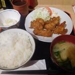 鴨川港 魚魚組 - とり唐揚げユーリンチ定食¥500-