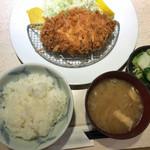 ポンチ軒 - 上ロースかつ定食(1,640円)