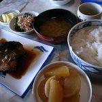 民宿食堂 正ちゃん - 料理写真:煮魚定食はこんな感じ。