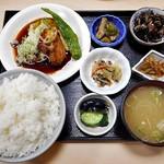 ごはんや 橘 - 料理写真:豚バラと大根の和風ステーキ定食(ご飯大盛り)