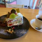 セルール - 料理写真:シャインマスカットケーキ