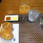 ベルマルシェ - サラダランチ:シュー生地を使ったオリジナルパン、健康ジュース