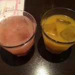 バンコクキッチン - グアバジュースとマンゴジュース