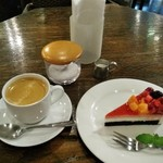 ル・カフェ・ドゥブルベ - [料理] この日のケーキセット 全景♪w