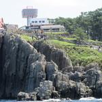 IWABA CAFE - 崖下から見るIWABA CAFE