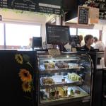 IWABA CAFE - セルフサービスのレジ付近