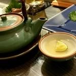 旭鮨総本店 - 松茸土瓶蒸し