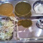 サティネパールインドダイニング - カレーはスープ状で辛くもなく、ダイレクトにゴクゴクいける