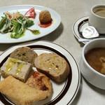 ピッツェリア チルコロ - 前菜、スープ、パンと食前にしてもらったコーヒー