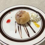 ピッツェリア チルコロ - プチデザートはプチシュー。
