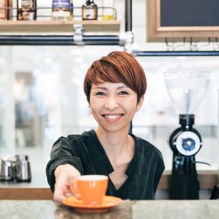 コーヒーに精通した「おもてなし」の専門家、『バリスタ』が常駐