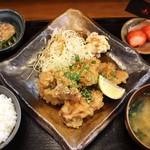 大衆食堂 山 - 油淋鶏定食