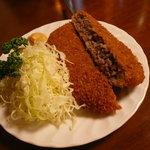 わくい亭 - 料理写真:ボリューム満点のジューシーメンチ!