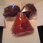 松屋 - 料理写真:桜餅と三角巻