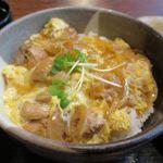 町の焼き鳥レストラン トリ太鼓 - 親子丼のアップ