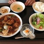 アオヤマ - ランチ(酢豚定食)