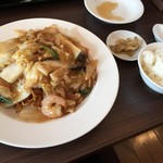 アオヤマ - あんかけ焼きそばとご飯