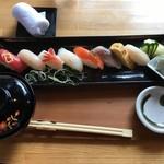日本茶甘味処あずき - にぎり鮨