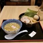 舎鈴 - 味玉つけ麺(730円)