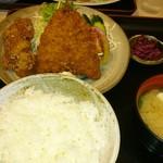 食堂きむらや - アジフライと唐揚げ定食(750円)