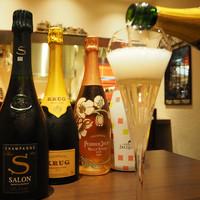 Anvers - シャンパンで華やかな気分に。