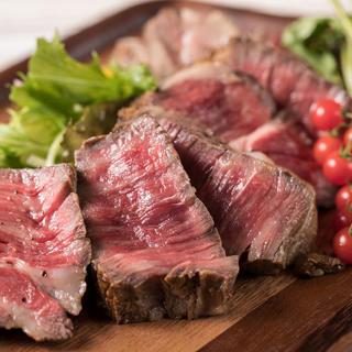 毎日直送される新鮮な魚介類や国産牛や、淡路島の野菜を堪能する