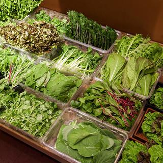 15種類以上の新鮮野菜が食べ放題☆彡