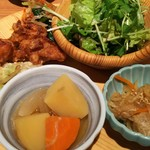 73863714 - サラダ、肉じゃが、唐揚げ、切り干し大根、天ぷら等