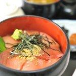 那智ねぼけ堂 - 南紀串本活け〆本まぐろをたっぷり使った『中とろ丼』 生の中トロのとろける美味さは絶品です。