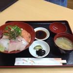食堂 春夏秋冬 - 料理写真:海鮮丼