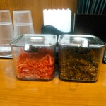 博多中洲屋台 鈴木ラーメン店 - 博多らーめん用ですが、辛し高菜漬は背脂煮干にも合いました。