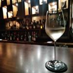 BAR 九献 - [ドリンク] 白ワイン Three Thieves (品種 Pinot Grigio) グラス ②
