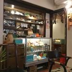 トヨクニ・コーヒー - レトロな店内