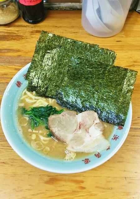 六角家 六角橋本店 - ラーメン650円麺硬め。海苔増し100円。