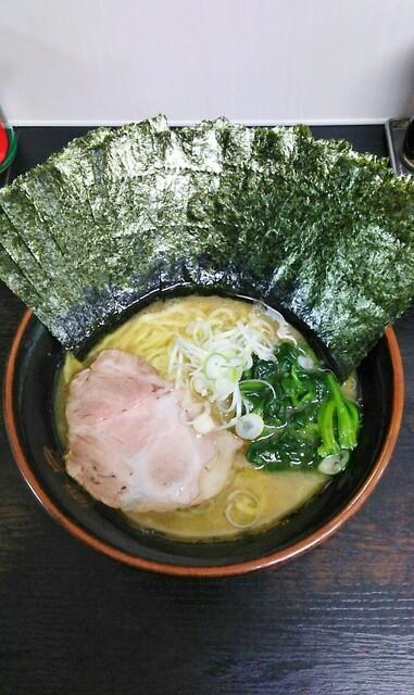 雷家 - ラーメン700円麺硬め。海苔増し100円。