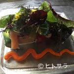 ぺるしえ - 旬の野菜と魚介類がどっさり『特製魚介とこだわり野菜のサラダ』