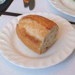 モモカ - フランスパンも中々美味しい♪