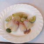 モモカ - 明石昼網の真鯛のマリネ、すだち添え