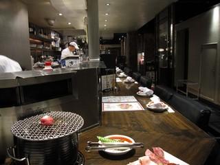 焼肉トラジ 池袋西口店 - なかなかええ雰囲気