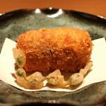 麻布 かどわき - 松茸のコロッケ ミズのコブコの天ぷら添え タルタルソースで
