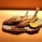 麻布 かどわき - 琵琶湖の子持ち鮎の塩焼き 白うるか と共に