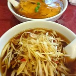 東林 - 手前 ネギそば・奥 天津麺