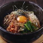 焼肉居酒家 韓の台所 - 石焼きビビンバ
