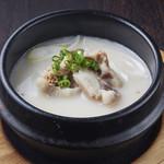 焼肉居酒家 韓の台所 - テールスープ