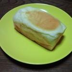 ペルタ・レクラン - ふわとろクリームパン (180円税別)