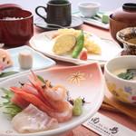 南島 - 料理写真:お昼のランチ  1500円税別